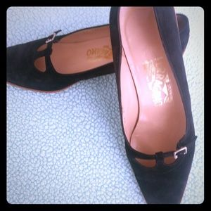Salvatore Ferragamo Black Kitten Heels 7 B